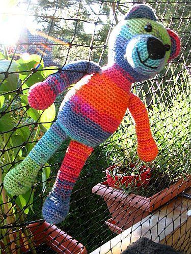 free tutorial (german) Robärt Rainbow | crochet toys | Pinterest ...