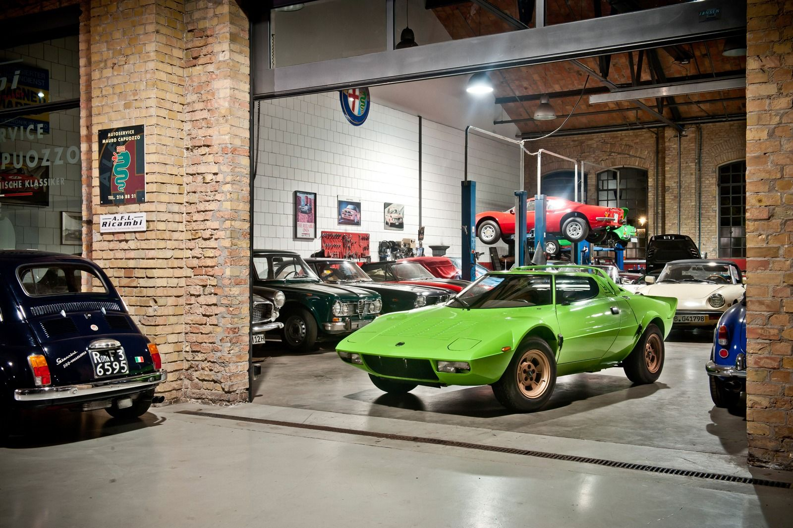 1975 Lancia Stratos and Italian friends