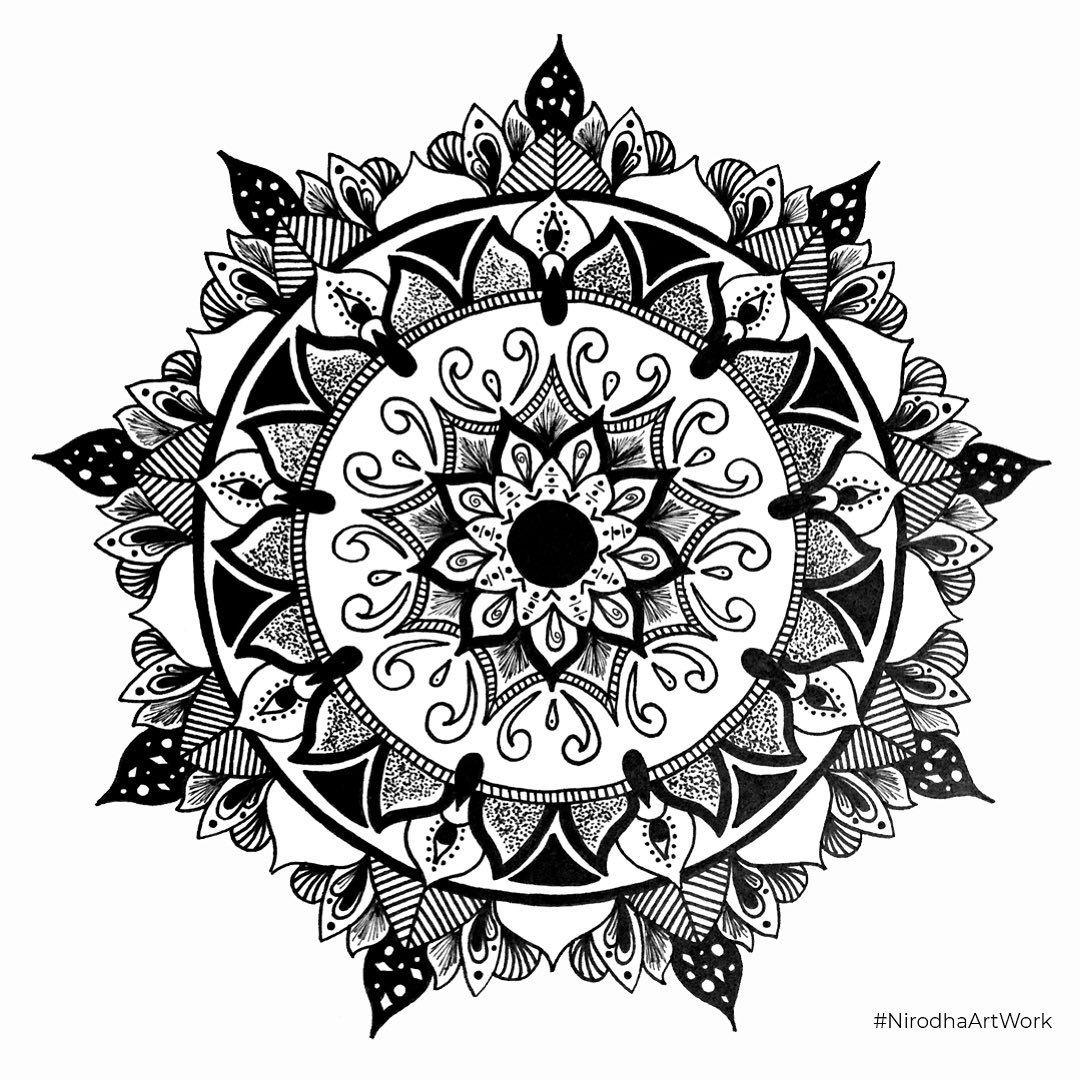 ✍🏻Propuesta Tattoo Para: @alextercerosanchez ✨🙌🏻 . . . . . . #NirodhaArtwork #Black #BlackWork #Mandala #Doodle #WIP #Handdrawn #Zentangle #BlackAndWhite #MandalasOnInstagram #Nirodha #Artwork #Draw #Lines #details #Staedtler #Fineliners #Black #Zen #Draw