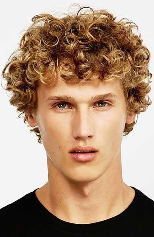 Kurze lockige haare stylen manner