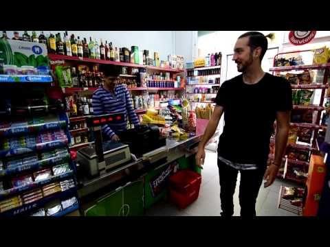 Como entrar en una tienda con patines. - YouTube