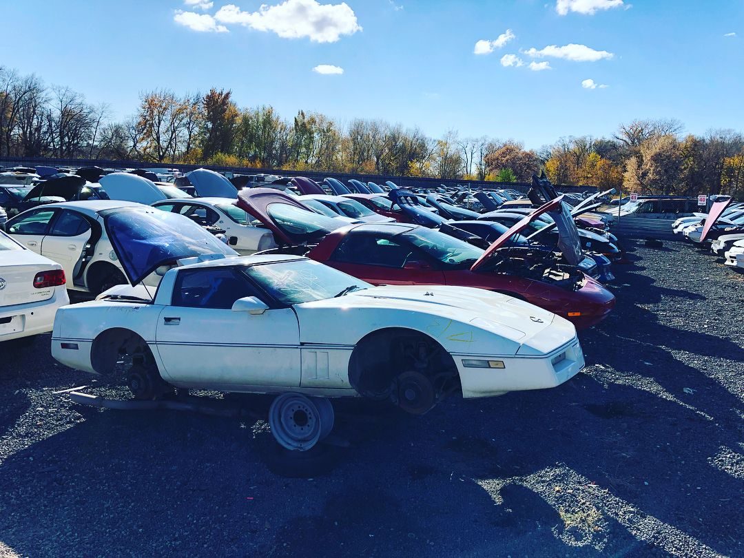 Row Update Come Check Out These Sweet Corvettes And Camaros Parts