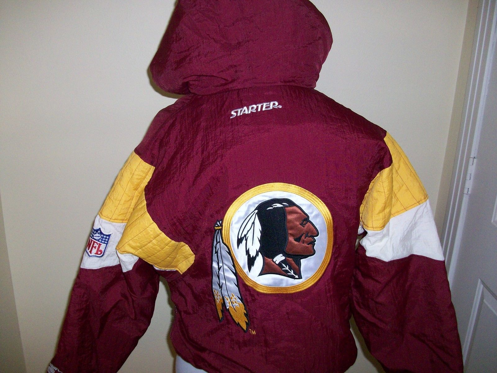 new concept 329c5 049a2 Small VTG 90's Starter Washington Redskins insulated winter ...
