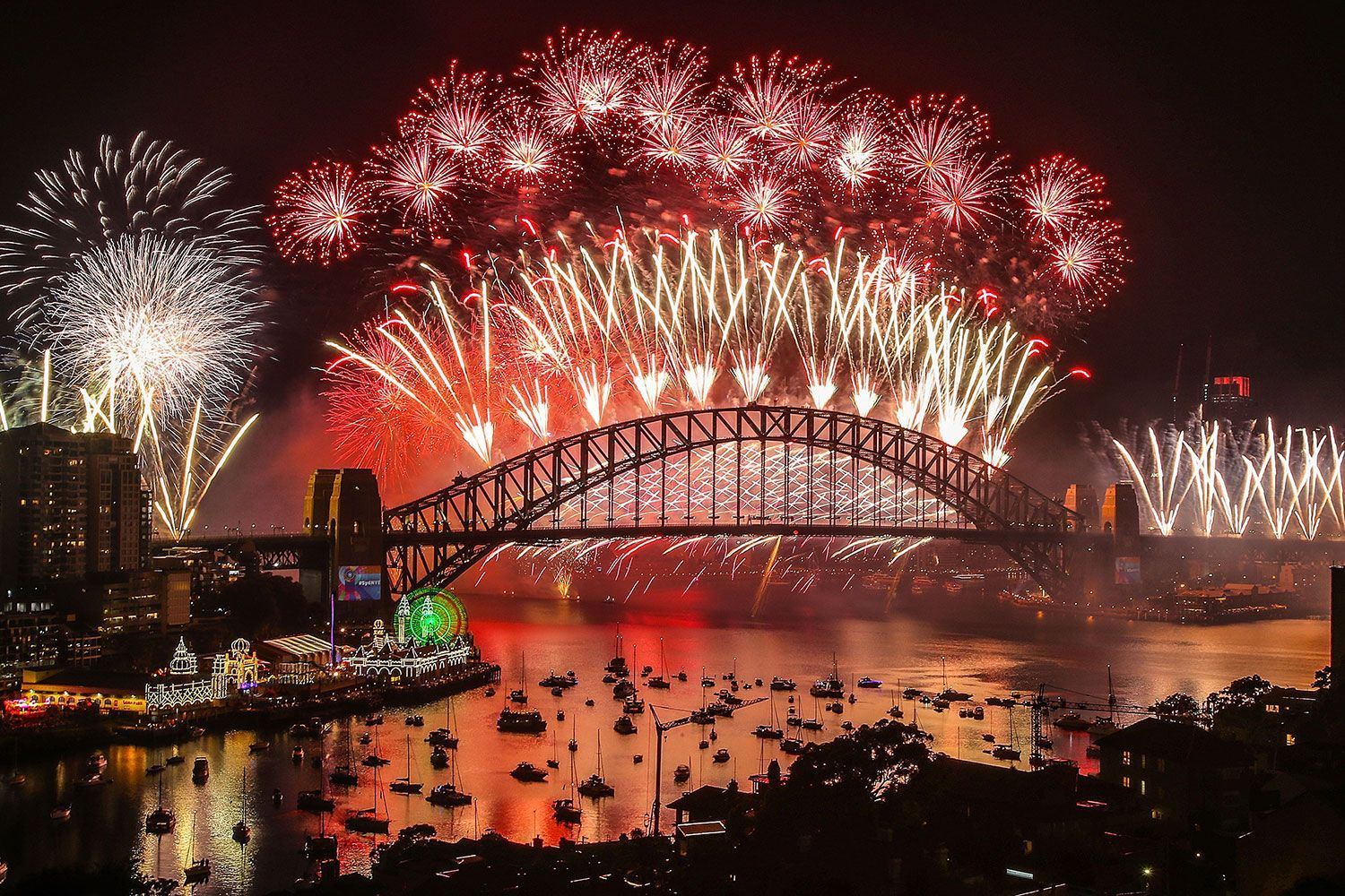 Sydney New Years Eve Fireworks Google Search In 2020 Sydney New Years Eve New Years Eve Fireworks New Years Eve Live