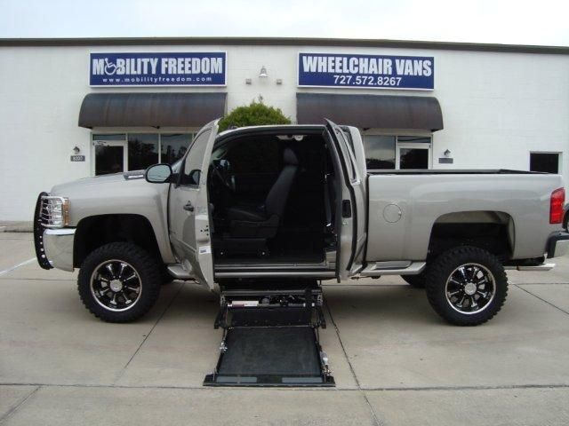 Wheelchair Lift For Truck Deluxe Stadium Chair Al800 Harmar Unload From Inside The Cab With This A Pick Up Description Reclinerchairr Com