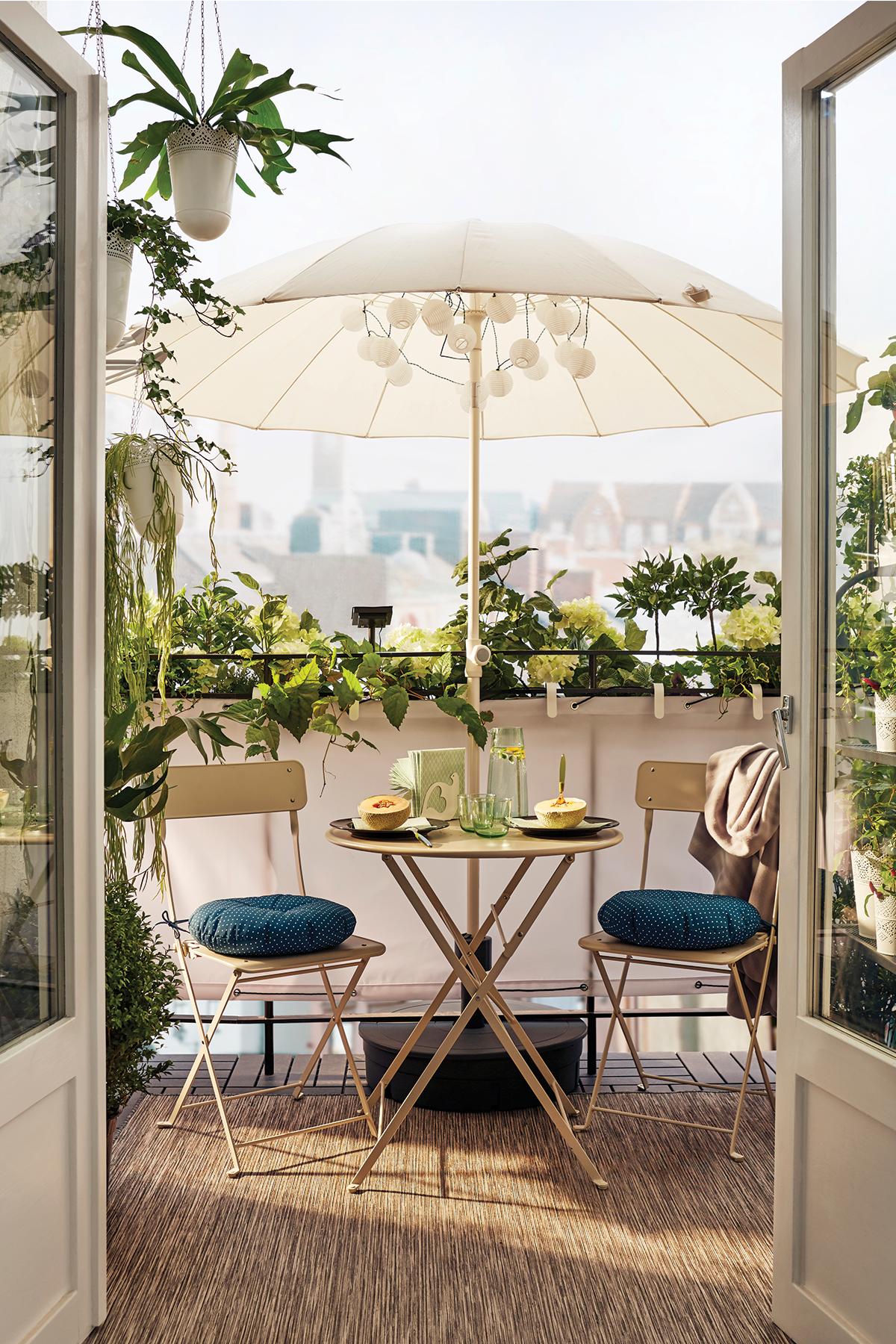 Elégance et simplicité pour petits balcons