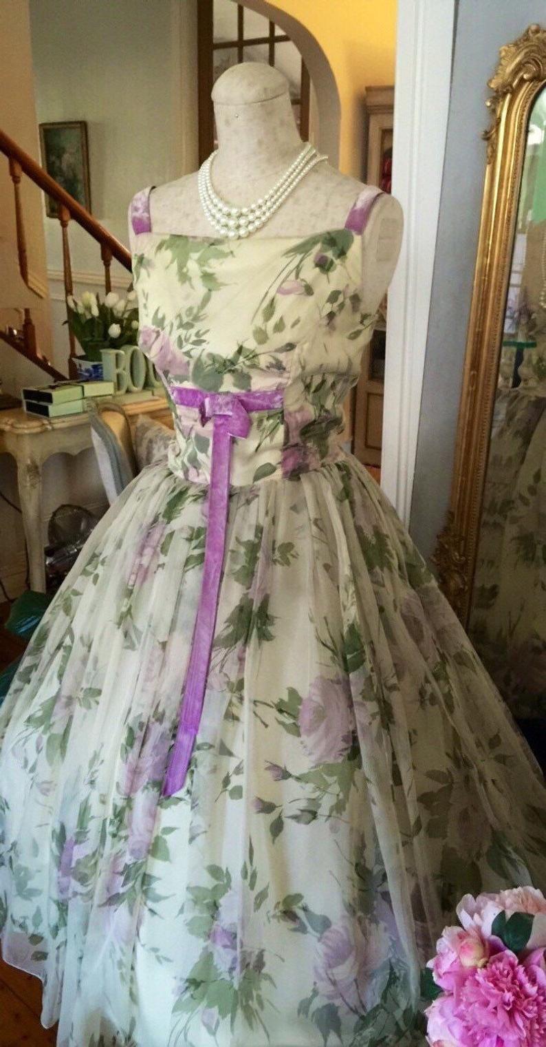 1950s Wedding Dress 50s Vintage Party Dress Purple Mauve Etsy In 2021 Vintage Party Dresses Vintage Dresses Evening Dresses Vintage [ 1521 x 794 Pixel ]