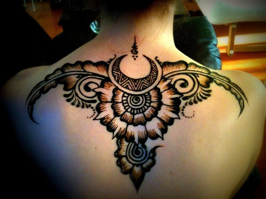 Mehndi Body Art Quality Henna : Safe and fabulous henna artist as an option for body art this