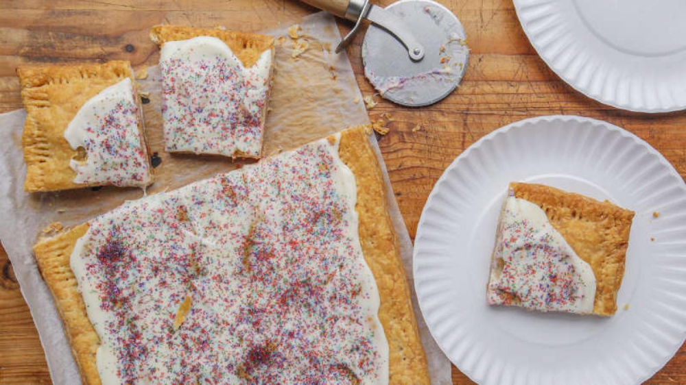 Giant Toaster Pastry Frozenpuffpastry Frozen Puff Pastry Sheets Make This Super Sized Treat A Breeze To Make In 2020 Puff Pastry Desserts Pastry Easy Puff Pastry