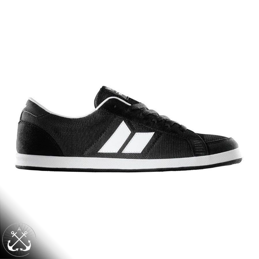 nike roshe run trainers black and white logo blink-182