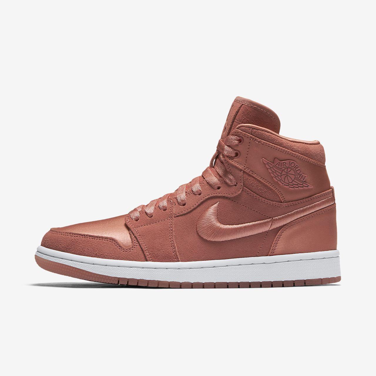 pretty nice 065e2 62434 Air Jordan 1 Retro High Women s Shoe
