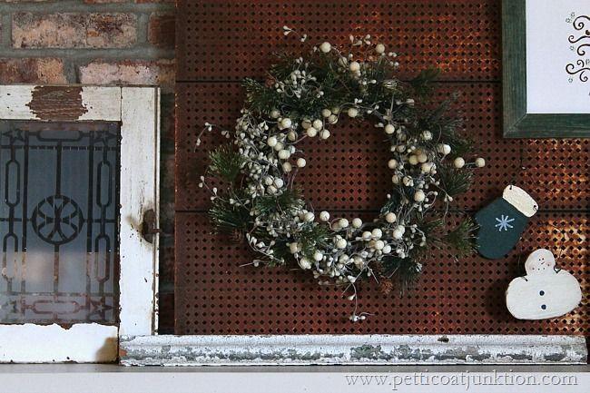 Christmas wreath mantel display Petticoat Junktion