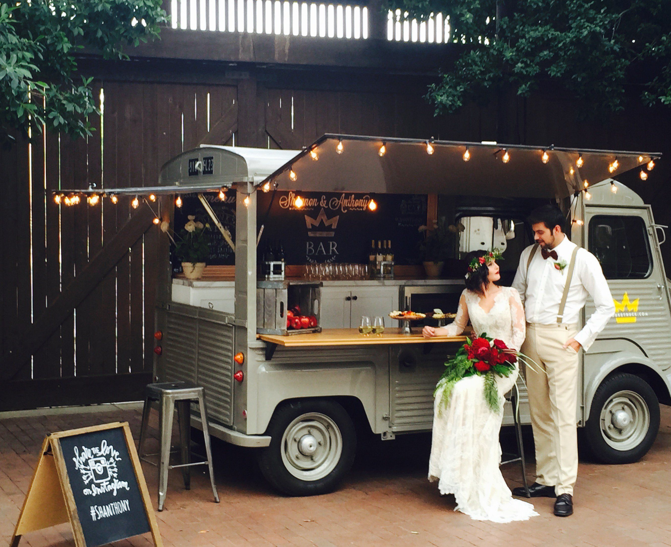 A Guide To Food Truck Weddings My Wedding Reception Ideas Blog Food Truck Wedding Food Truck Events Best Food Trucks