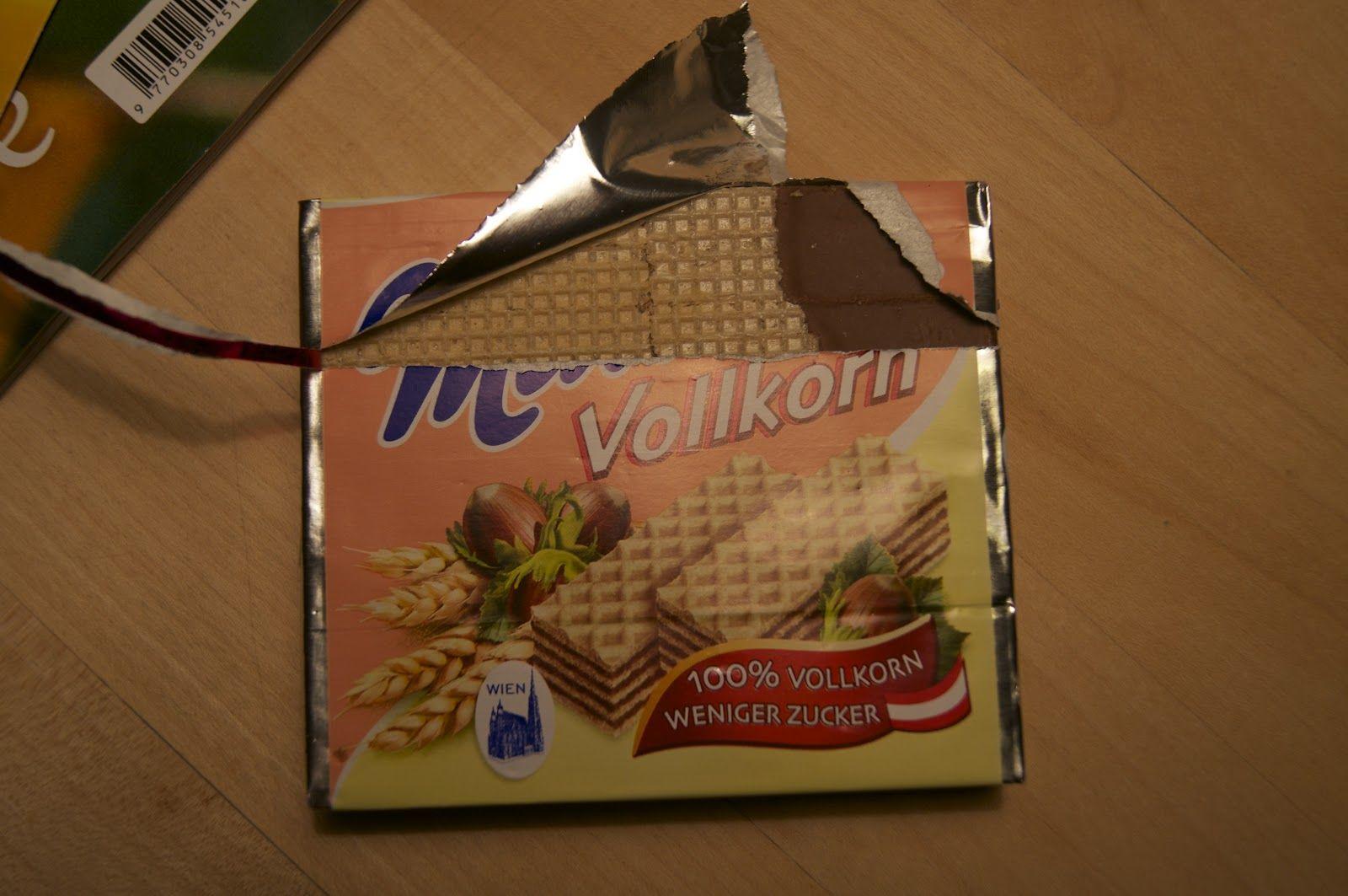 Vollkorn-Mannerschnitten. Sehr interessant!  http://voras-vegan-way.blogspot.co.at/2012/10/vegan-wednesday-8.html