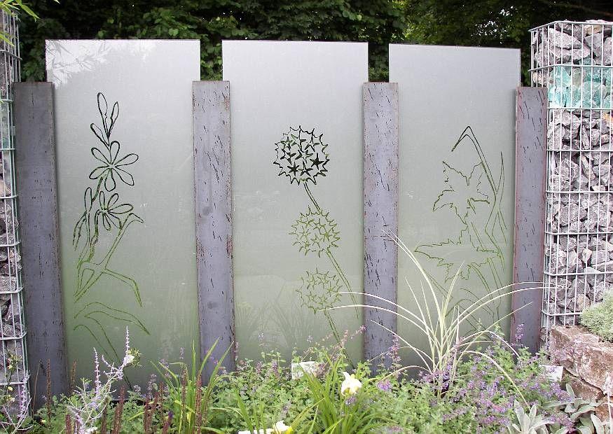 l rmschutzw nde sichtschutzmauer aus gabionen glas z une tore mauern pinterest glas. Black Bedroom Furniture Sets. Home Design Ideas