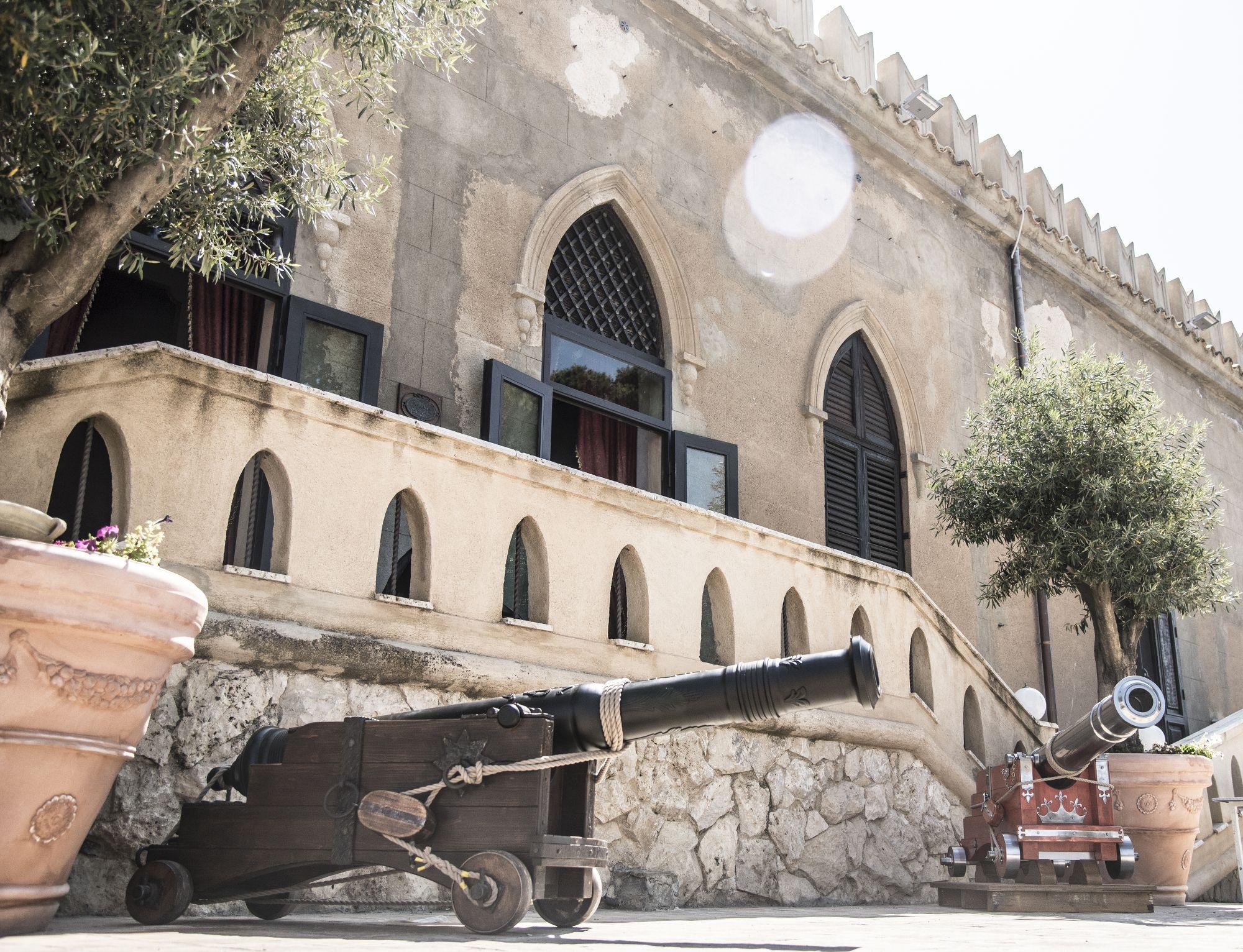 Arredamento Medievale ~ Arredamento giardino garden furniture antique cannon