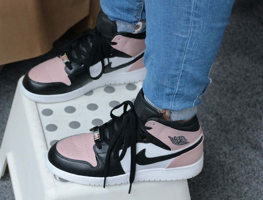 Sneakers women - Nike Air Jordan pink Celebrity style in ...