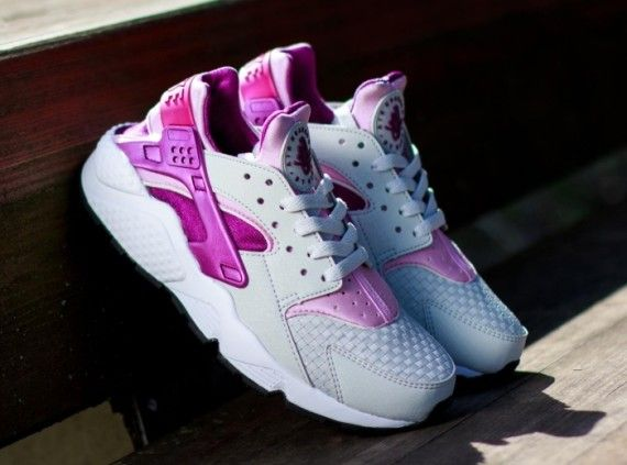 nike huarache womens grey and pink