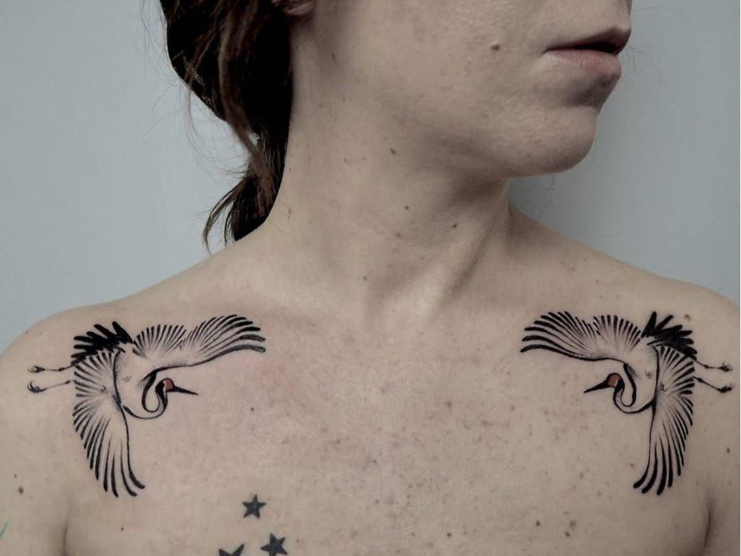 Crane Tattoo By Albareyk Albareyk Cranetattoos Crane Birds Feathers Wings Flying Animal Crane Tattoo Shoulder Tattoos For Women Flower Tattoo Shoulder