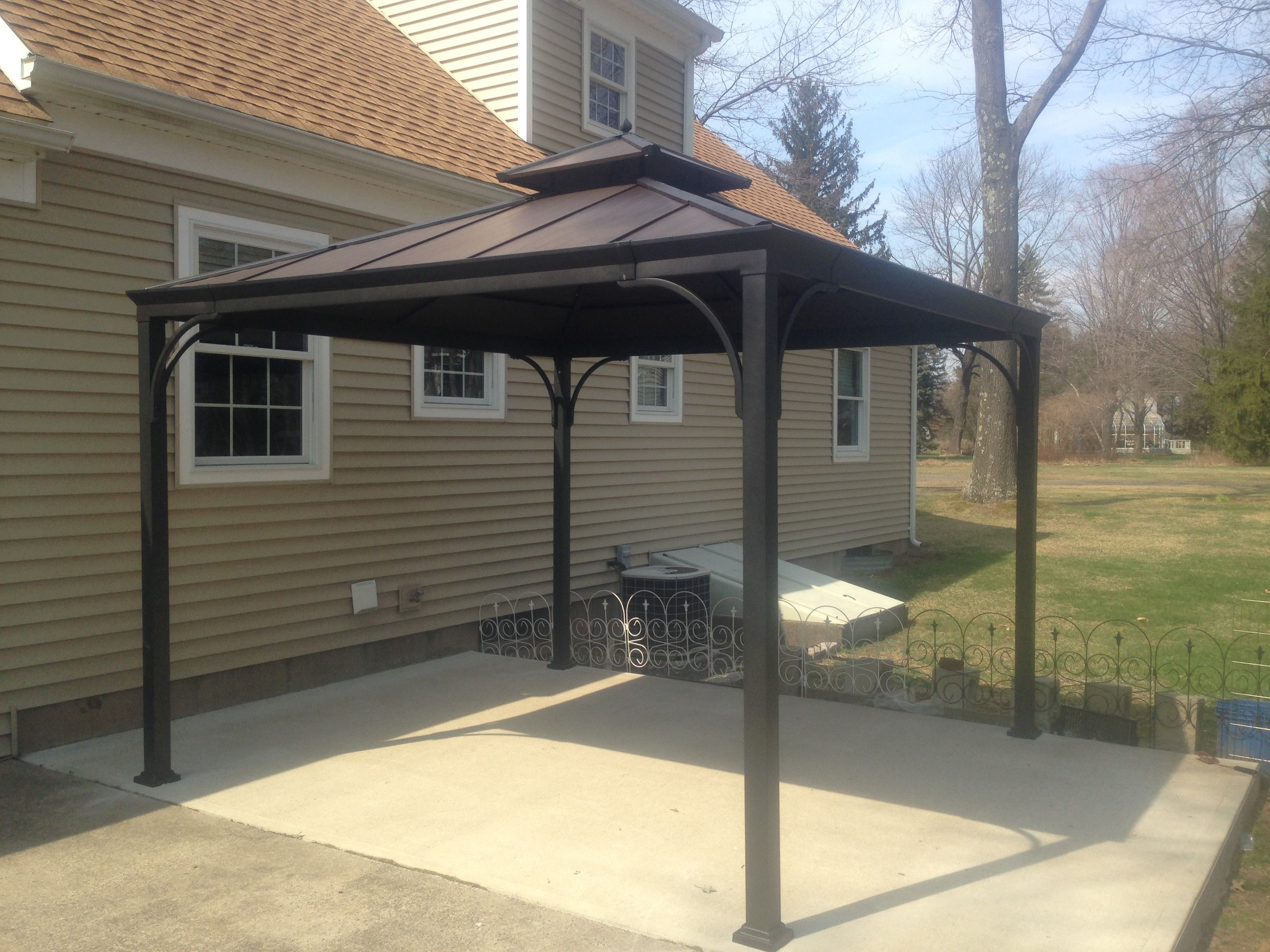 Harper 10 X 10 Metal Gazebo Purchased At Homedepot Assembled In Lake Elsinore Ca Gazebo Portable Gazebo Aluminum Gazebo