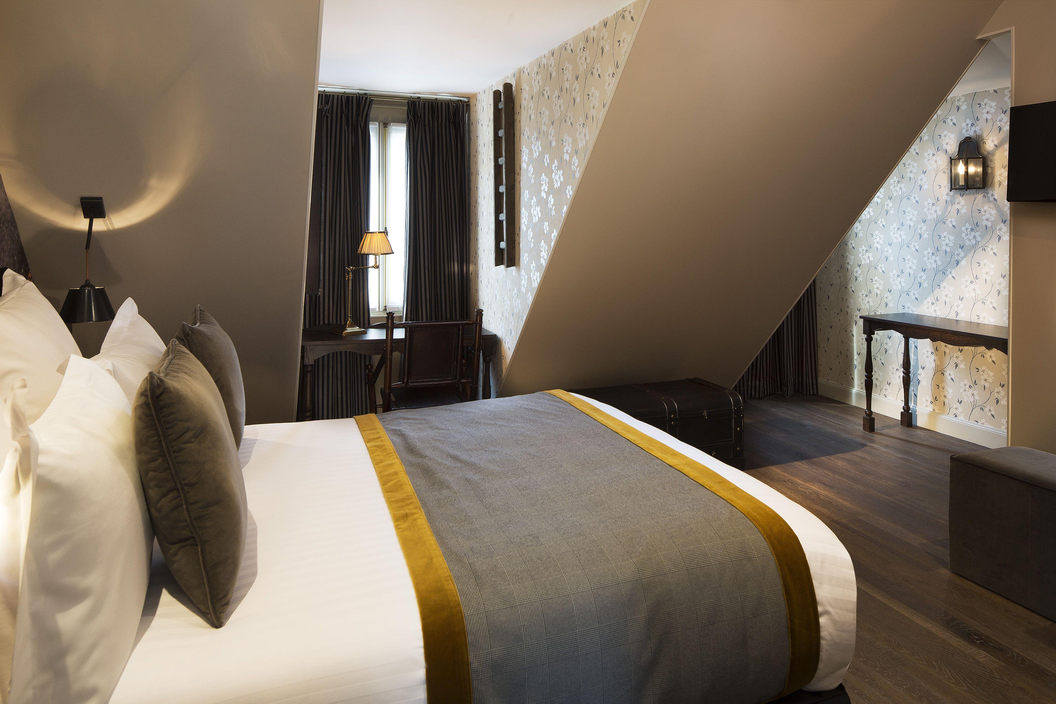 Chambre de l Adorateur Thieve s Room 20 m² Hotel Da Vinci