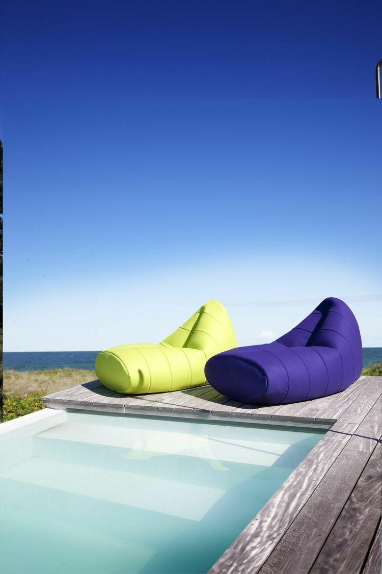 Salon de jardin, bains de soleil et poufs - 20 meubles ...