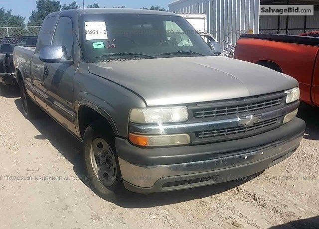 2001 Chevroletsilverado For Sale At Salvage Trucks Auction In