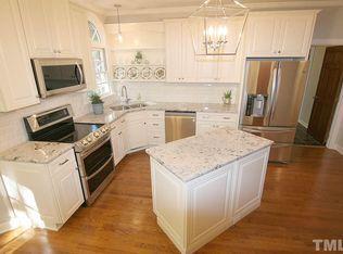 Off White kitchen - Corner sink - light fixtures View 25 ...