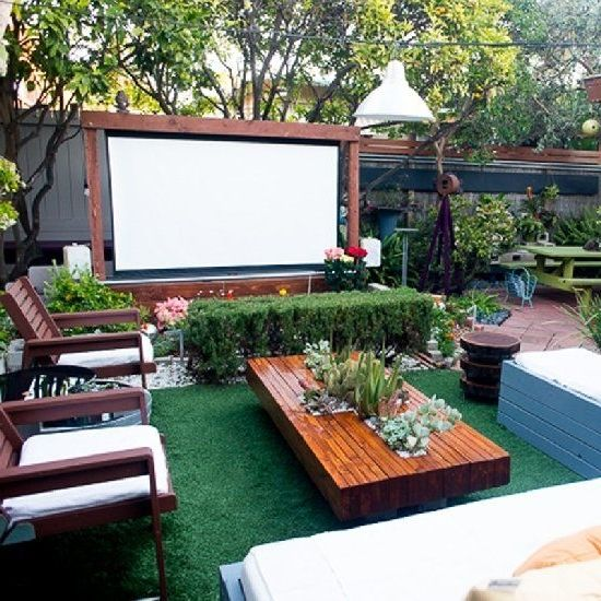 20 Sloped Backyard Design Ideas: Best 20 Outdoor Theater Ideas On Pinterest Outdoor Movie