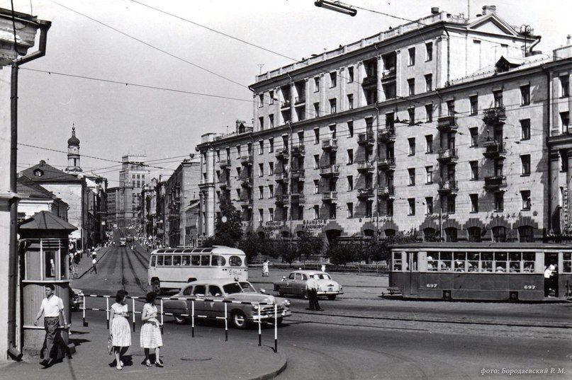 Московский проспект у Харьковского моста. 1961 год.