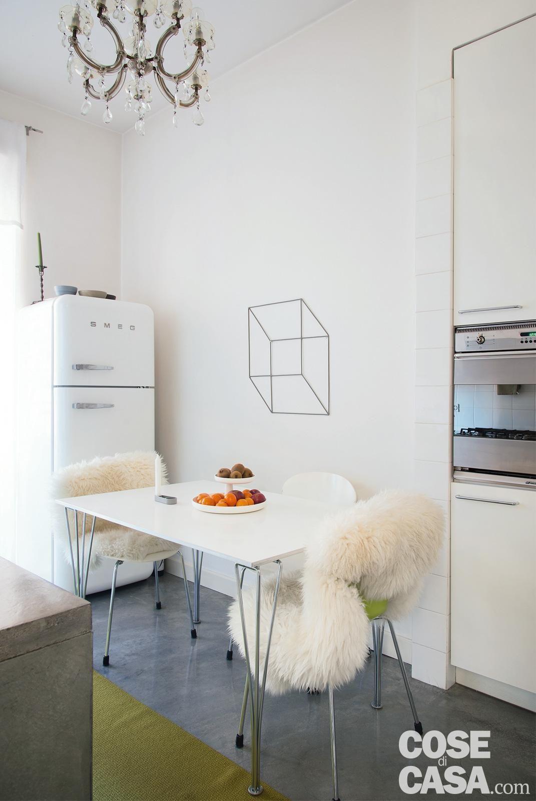 89 mq arredati con pezzi iconici del design | arredamenti interni ...