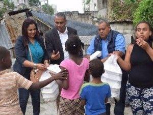 Defensora del Pueblo y Comedores Económicos entregan ayuda a varios lugares