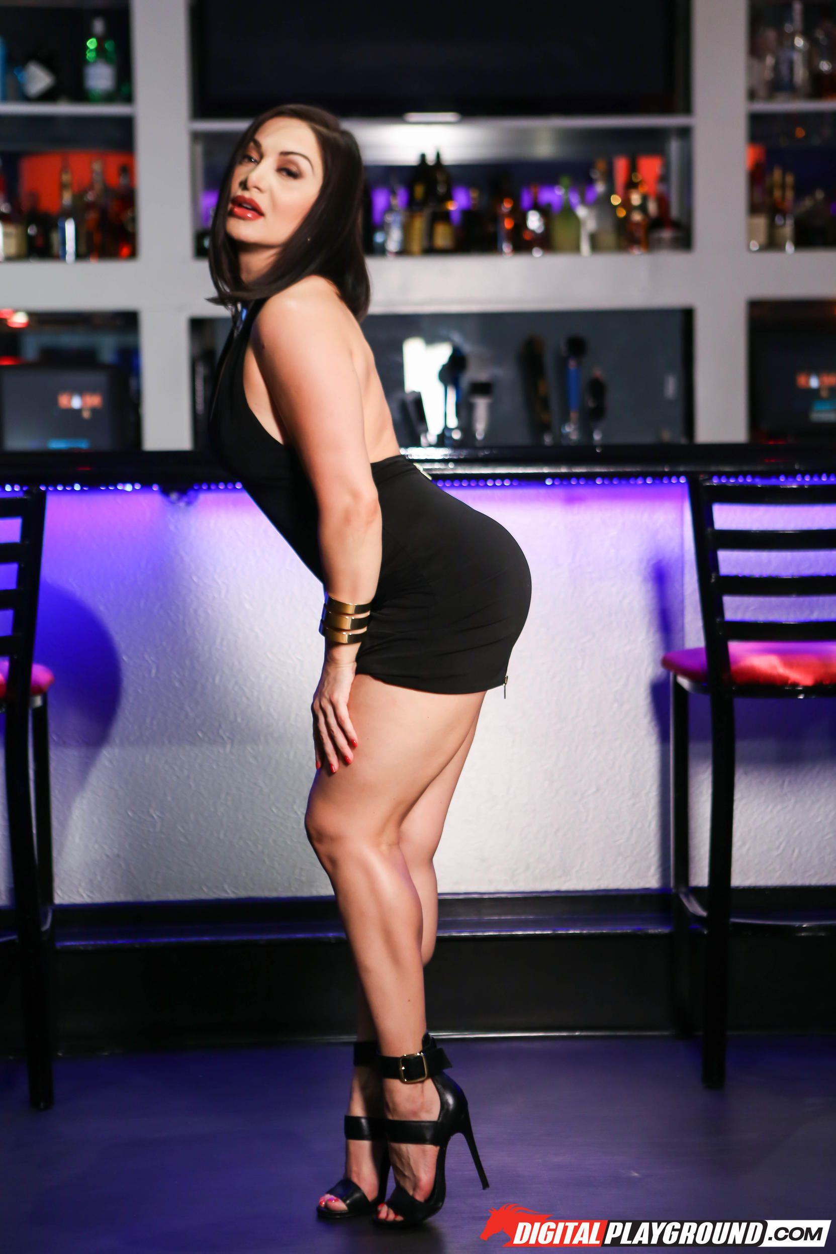 Lea Lexis Nude Photos 34