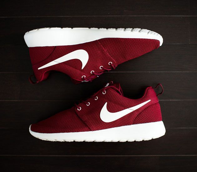 Nike Chaussures Rouges Roshes