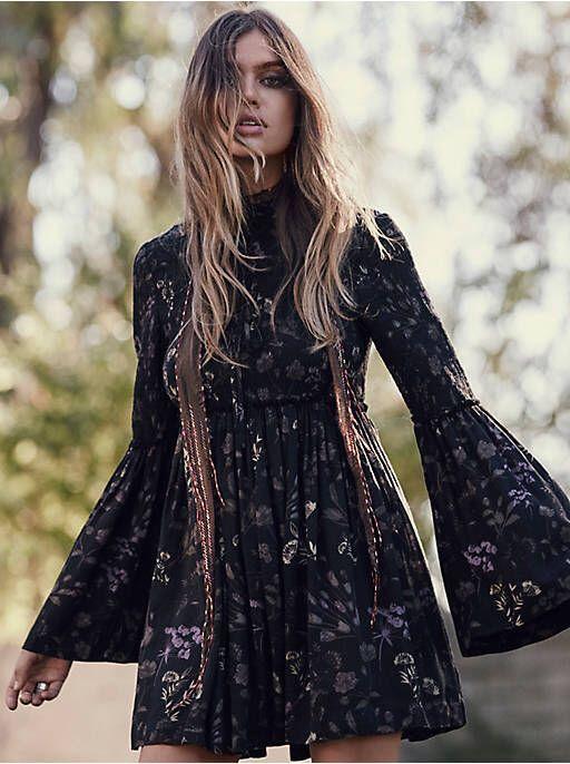 eb9276e24de Top 10 Must-Have Items for a Bohemian Chic Wardrobe in 2019 ...