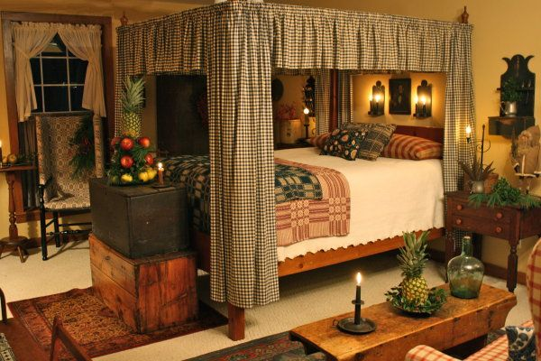 Primitive bedroom four poster with bed curtains old chests prim lighting just gorgeous - Four poster bed curtains ...