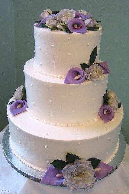 light purple wedding cakes with calla lilies