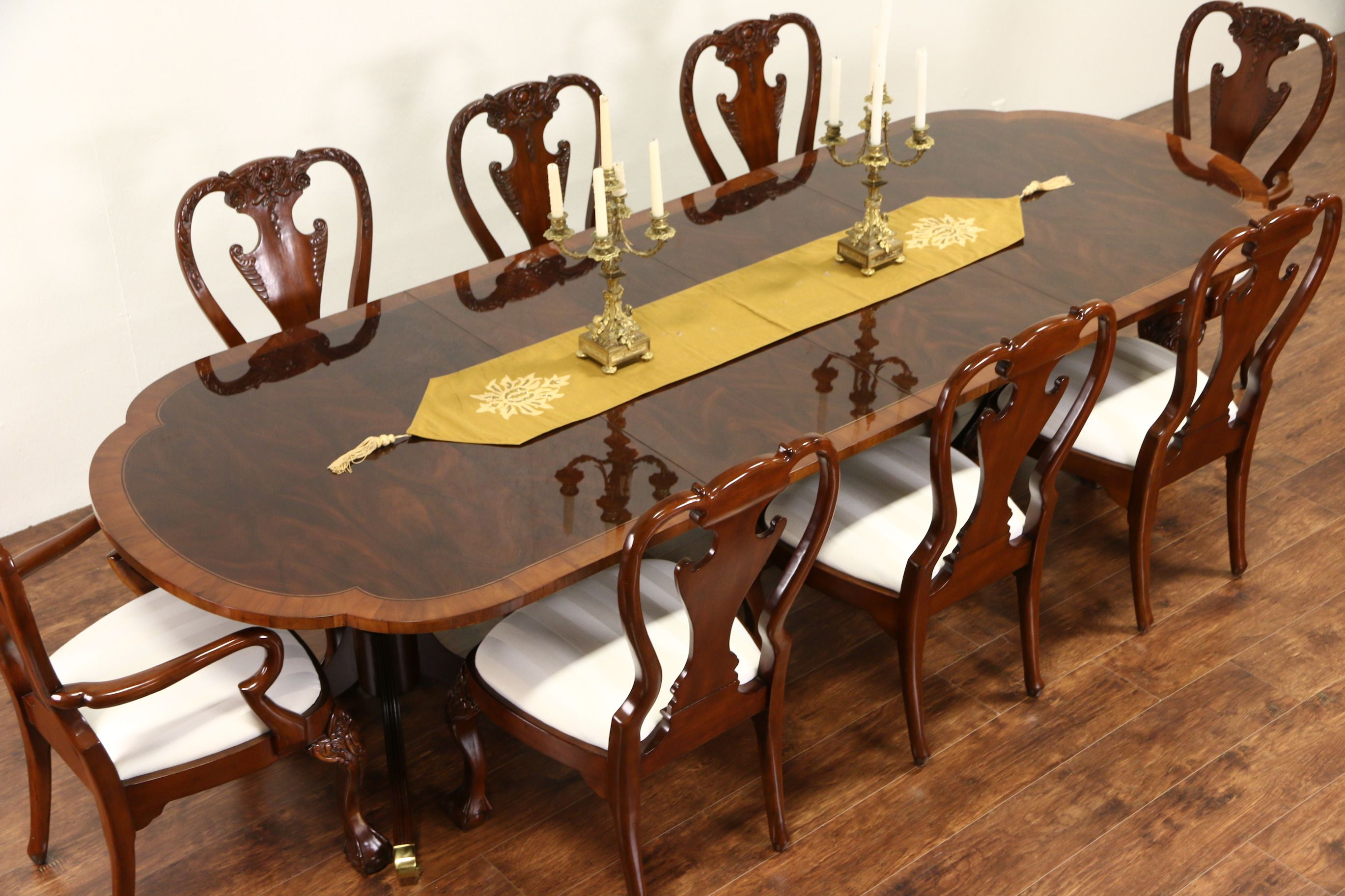 Sold Hekman Signed Copley Square Dining Table Banded