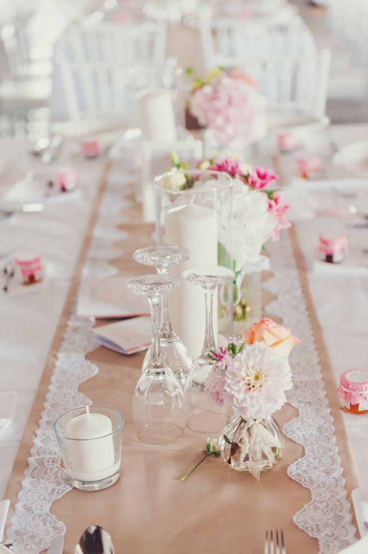 Romantische Scheunenhochzeit  Tischdekoration