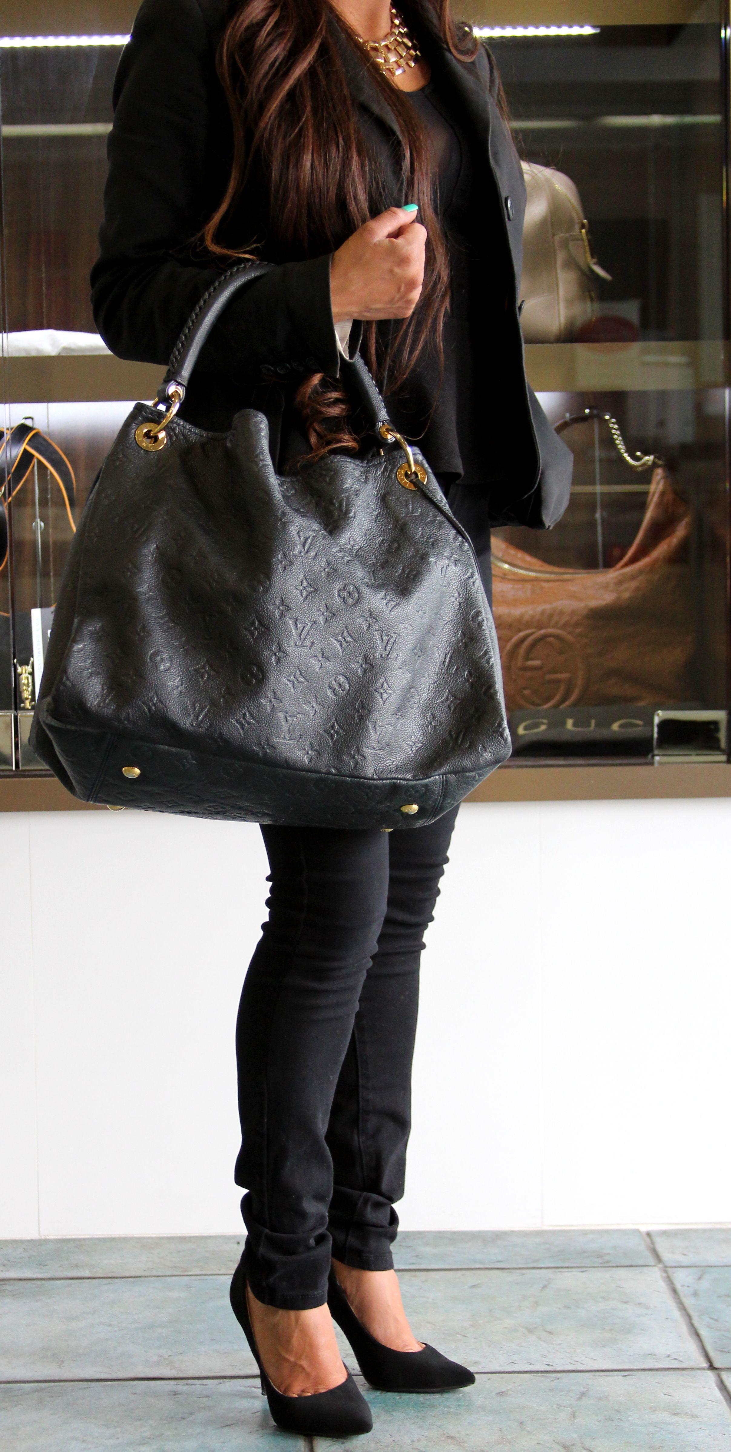 Louis Vuitton Artsy Monogram Empreinte Leather Infini. Perfect summer tote  bag!  summer  louisvuitton  fashion  style 59f0f1322a8
