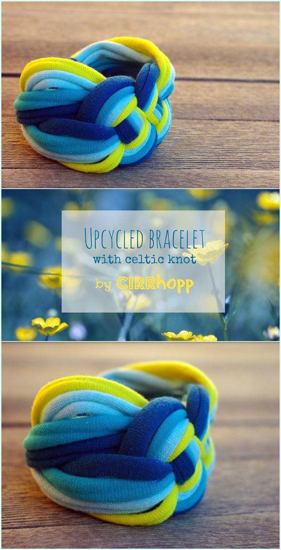 Upcycled Bracelet Recycled Blue Yellow Por Cirrhopp En Etsy Collares De Trapillo Collares De Bricolaje Joyería Con Tela