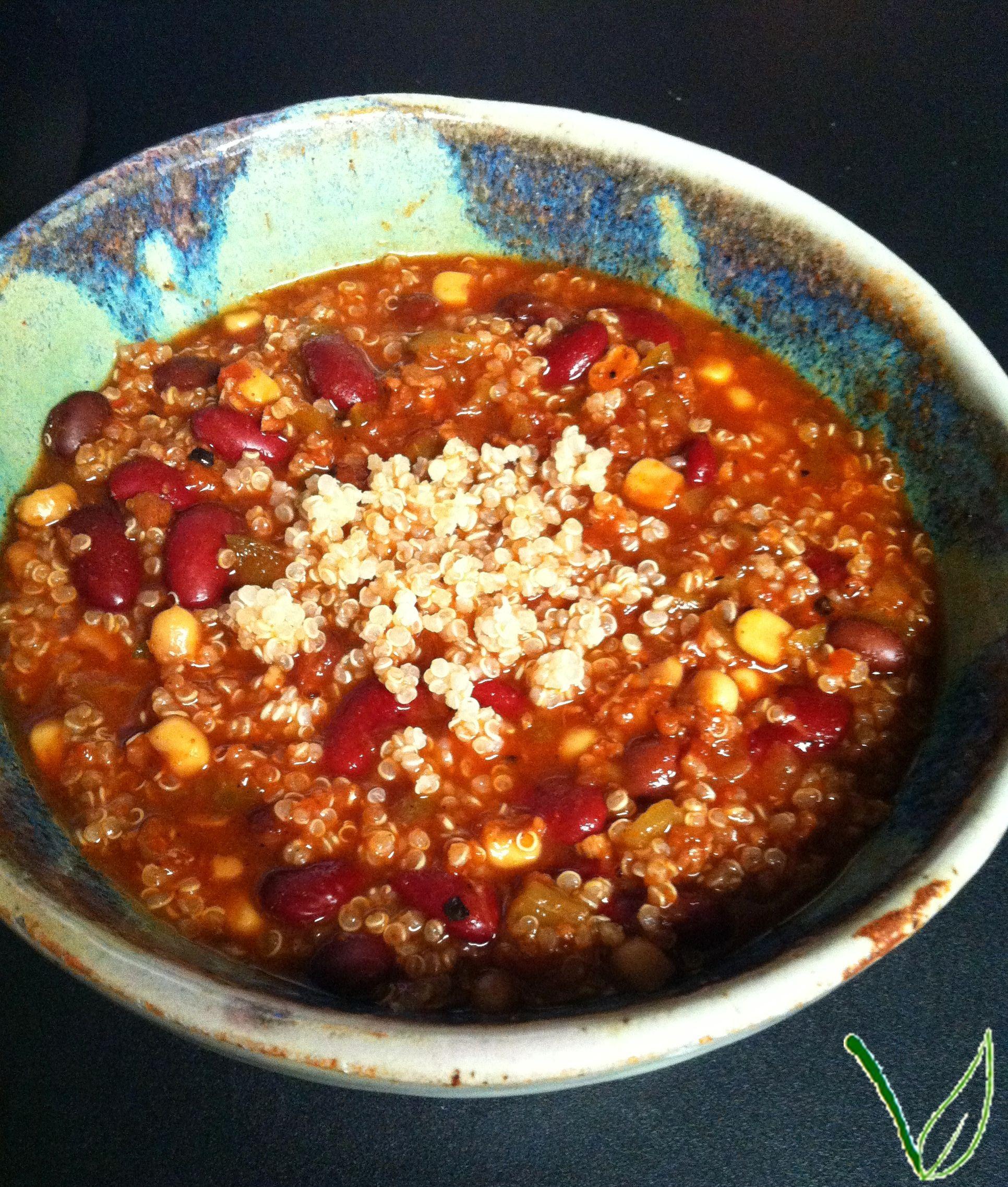 Vegan Recipe – Slow Cooker Quinoa Chili   Quinoa chili, Recipes slow ...