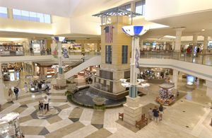 Orland Square Enclosed Two Level Shopping Center Featuring Apple Coach A X Armani Fox Dry Goods And Over 150 Fine Shops Restaurants