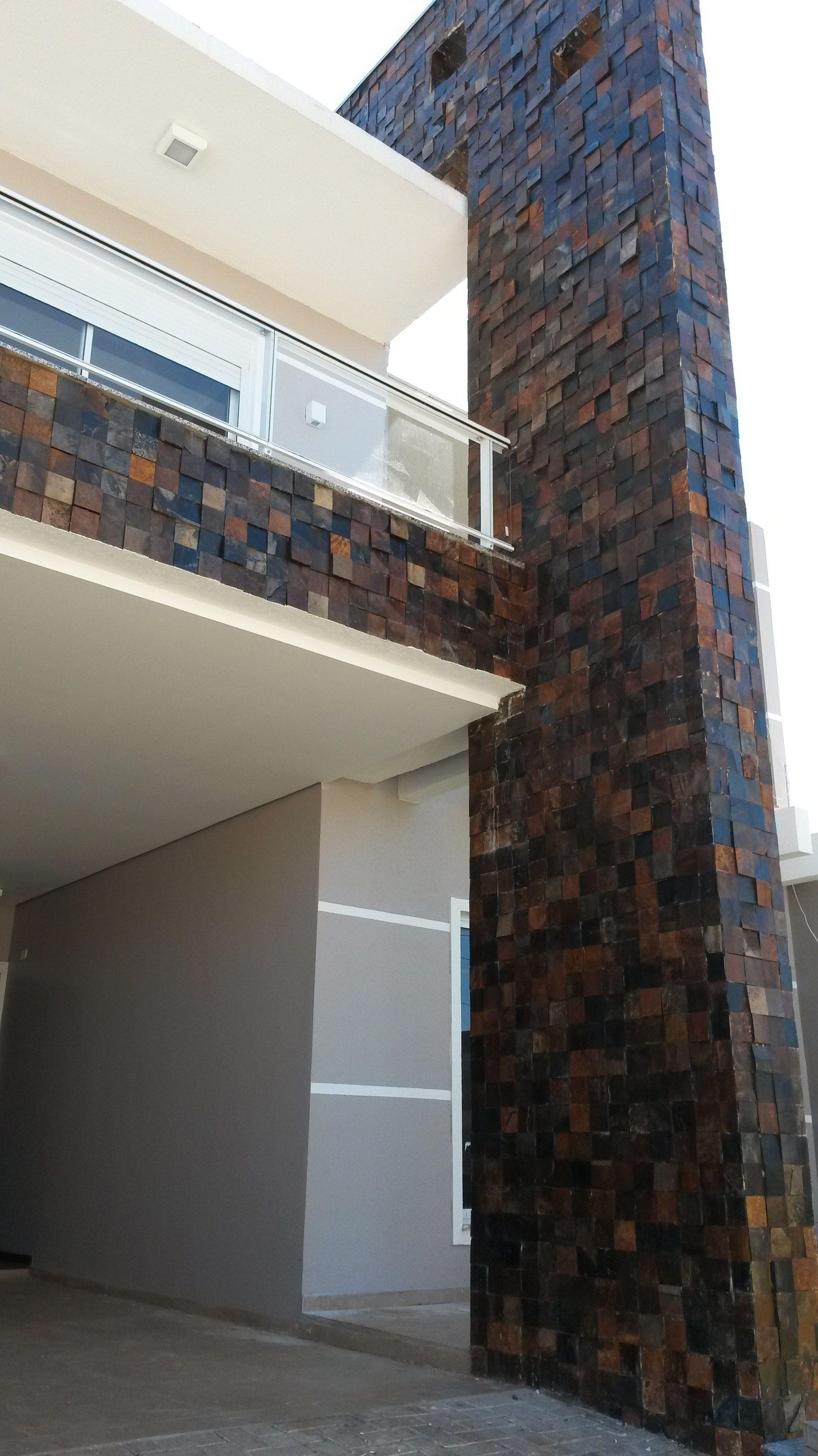 Fachada revestida com pedra ferro fachadas de casas em - Revestimientos de fachadas ...