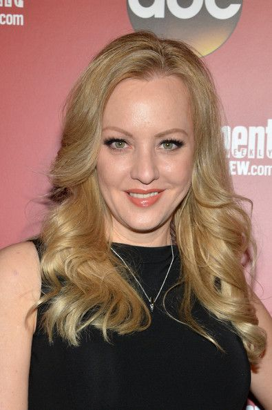 Wendi Mclendon Covey Nude Lipstick Cosmetics Counter Nude