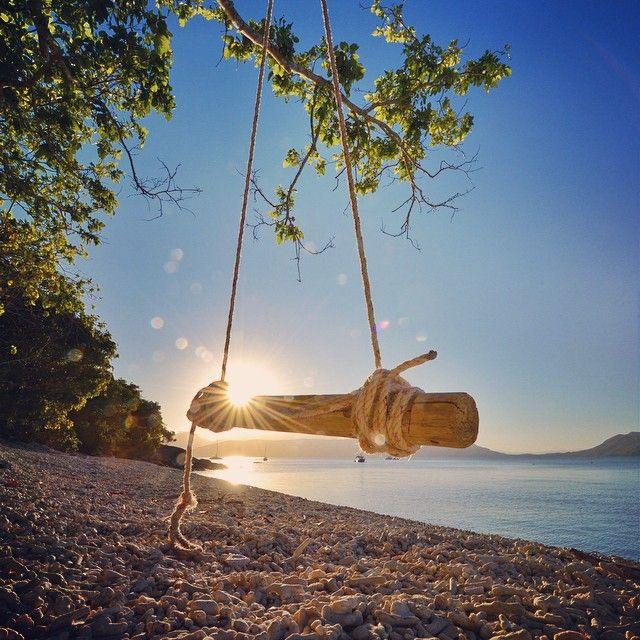 Fitzroy Island Queensland: Can Someone Push Me On The Swing? #fitzroyisland Rikerama