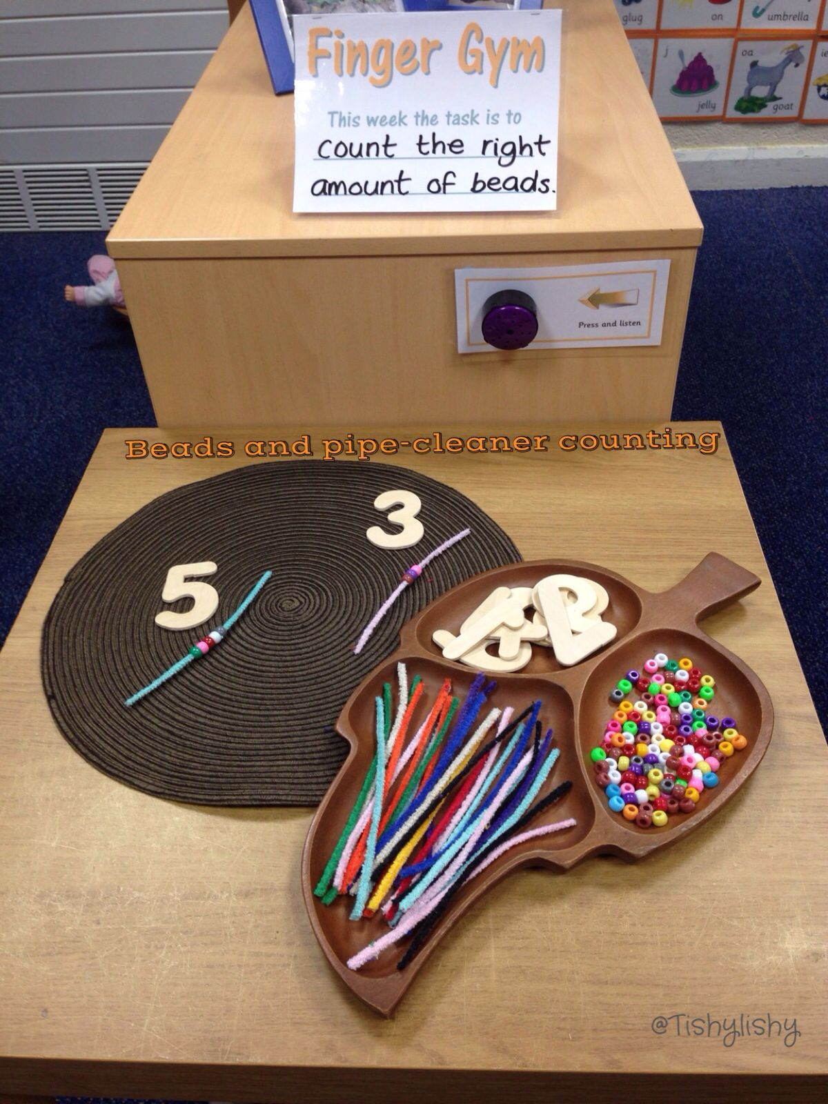 Bead and pipe cleaner counting
