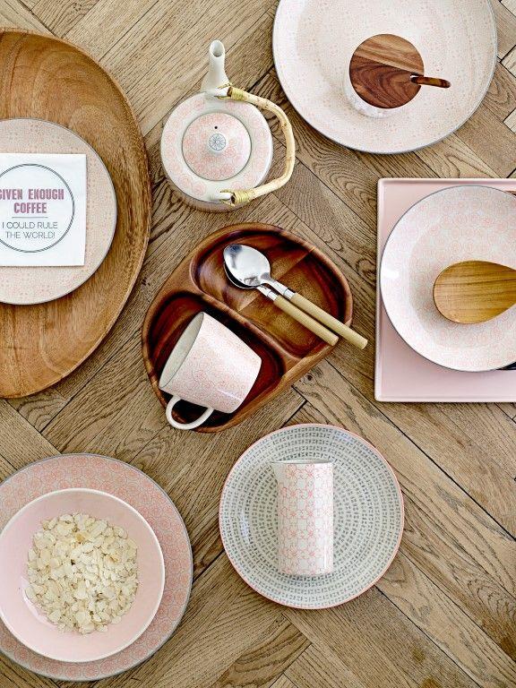 kuhle dekoration kucheneinrichtung munchen, een mooi gedekte tafel met scandinavisch servies   keramika i ostalo, Innenarchitektur
