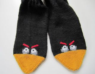 Free chart for Angry Birds socks (embroider with duplicate stitch on knitted socks)