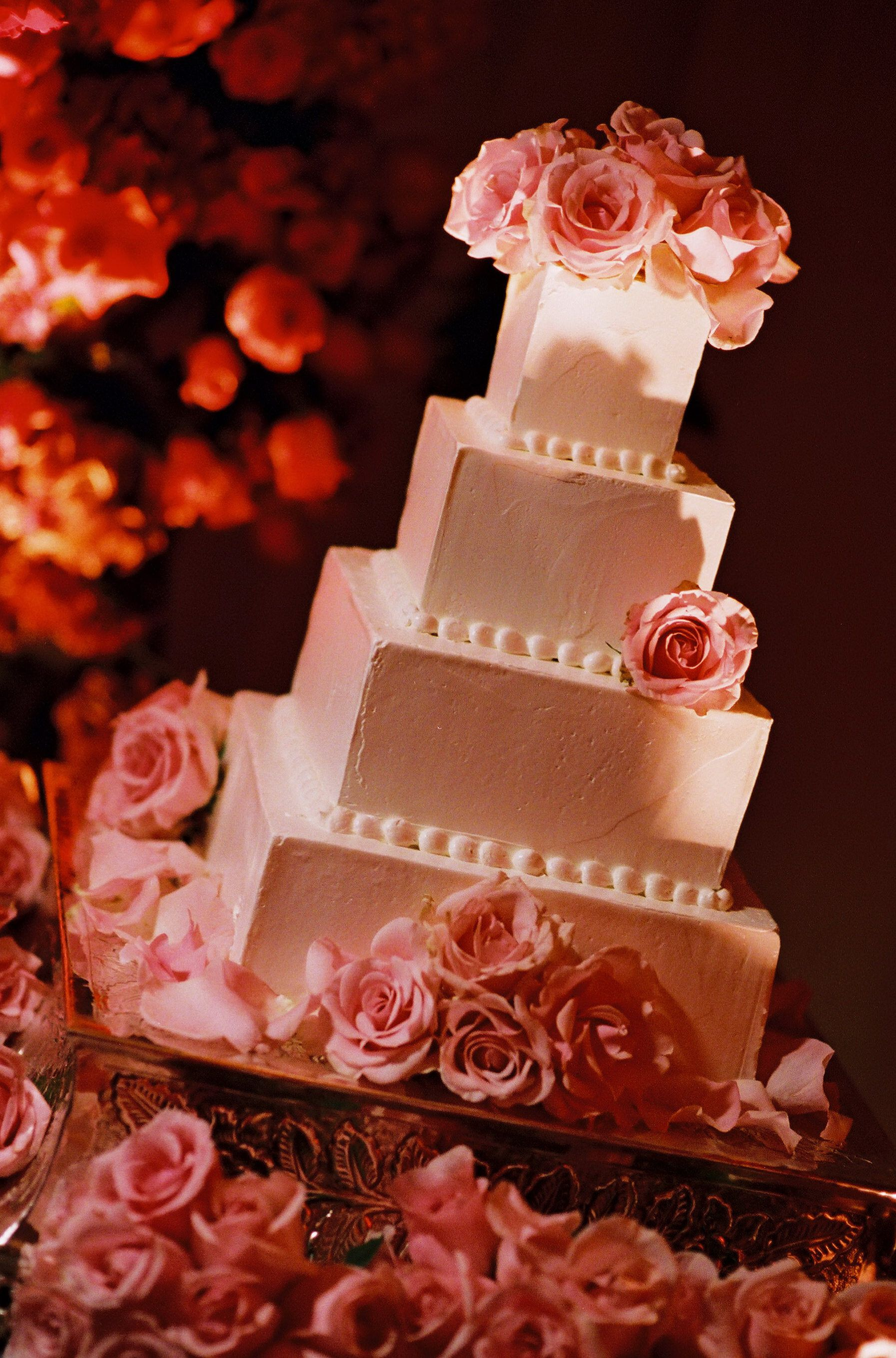 Your Perfect Wedding Cake Created By Onsite Specialist Federico Fernandez Luxbride Catering